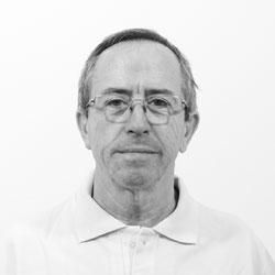 Dr. Ginés Almazán Campos