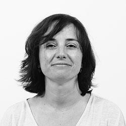 Dña. María Almazán Tavero