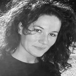 Dña. María Teresa García Jiménez
